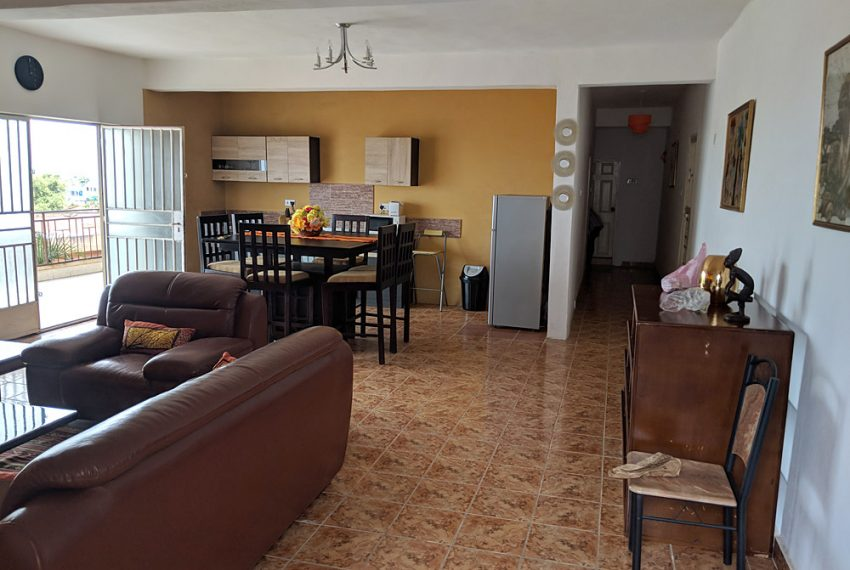 2-self-contained-apartment-with-stunning-sea-views-in-goderich-25-1538738263