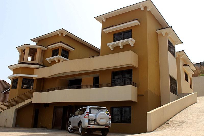 luxurious-4-bedroom-property-for-rent-regent-7-1495218840