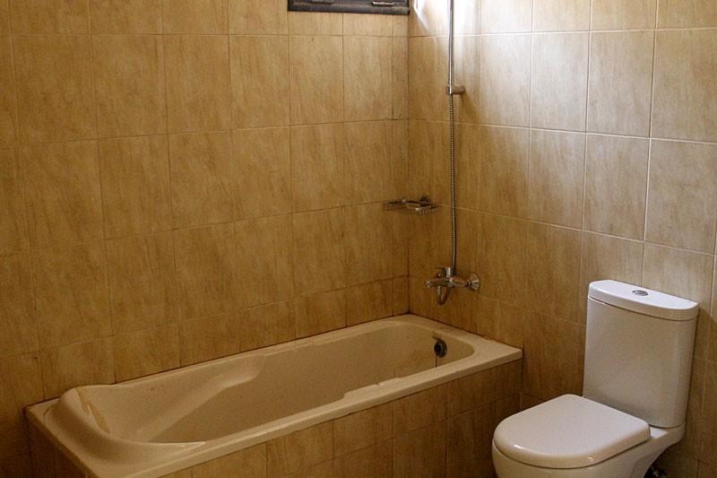 luxurious-4-bedroom-property-for-rent-regent-83-1495218776